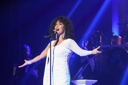 Belinda Davids sings Whitney Houston songs in The Greatest Love of All show
